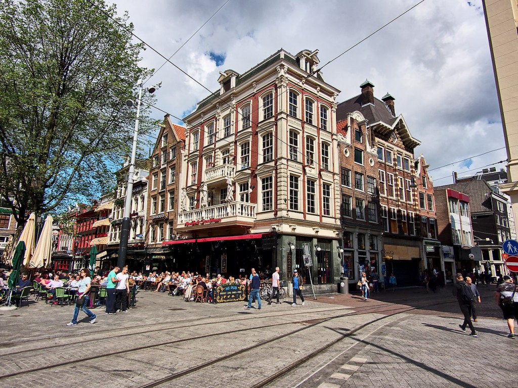 amsterdam-20180704-square-leidseplein-during-day-1280
